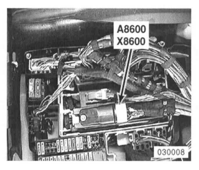BMW E38 1995 -2001 7 Series Transmission Computer Removal